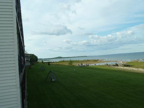 Bavarian Haus Lakefront Inn: looking out from my balcony, to the left hand side of the other balconies of the hotel