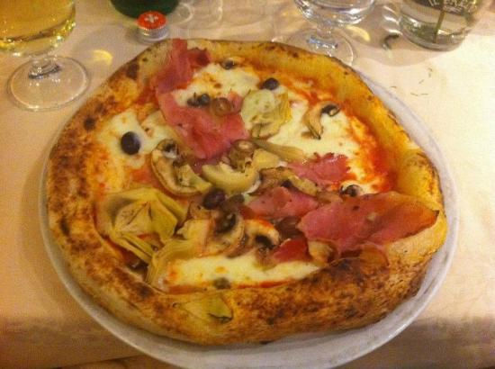 La Piccola Napoli: Artichoke & other good stuff