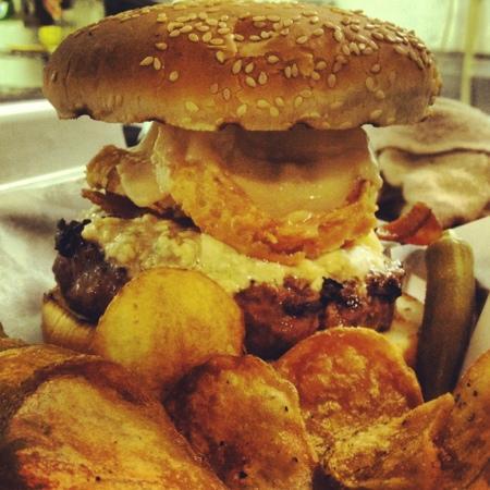 Gumbo's: Gumbo burger