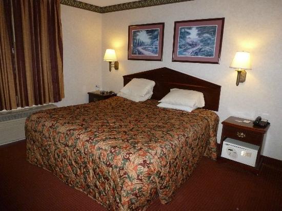 Travelodge Suites by Wyndham Savannah Pooler: Bedroom