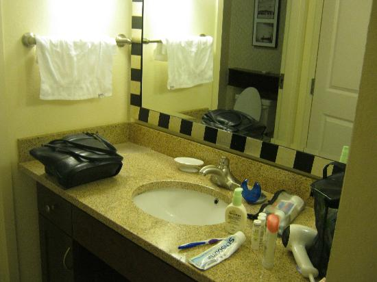Residence Inn Chapel Hill: Bathroom