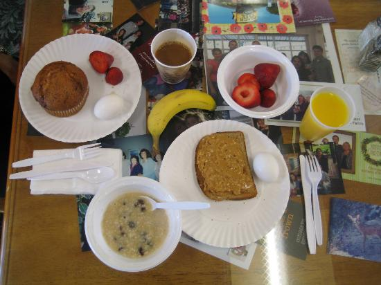 Peach Tree Inn: Healthy Breakfast