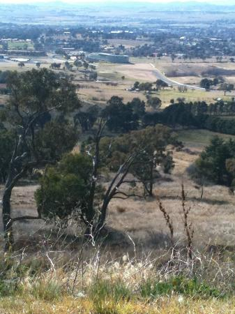 Mount Panorama Motor Racing Circuit: View over the Mount