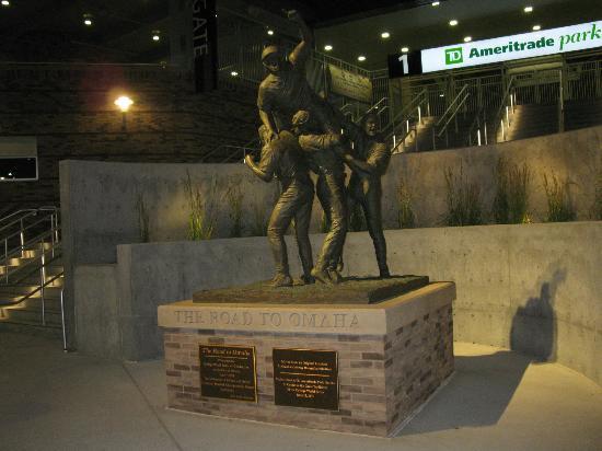TD Ameritrade Park : CWS Statue moved to TD Ameritrade from Rosenblatt