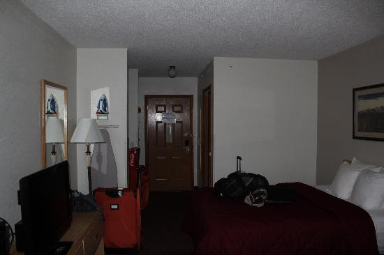 Comfort Inn: Room with my back to the window