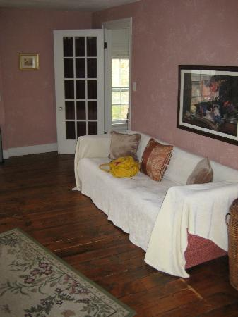 Montague's Bed and Breakfast, BBQ and Philosopher's Coffeehouse: I might have spilled a bit of wine on this sofa:)