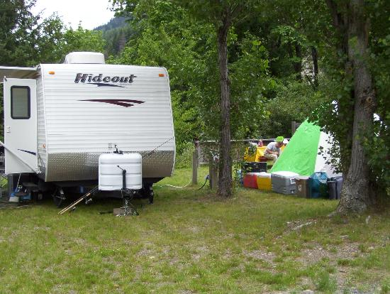 Anderson Creek Campground: RV and tent friendly sites