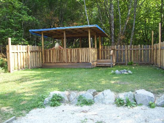 Anderson Creek Campground: Power/water site with covered patio