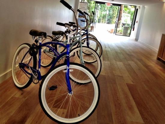 Hotel La Jolla, Curio Collection by Hilton: free use of bikes