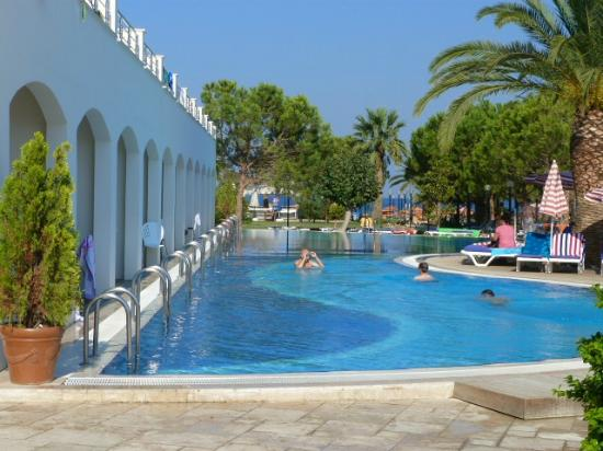 Batihan Beach Resort & Spa: piscines des chambres sélect