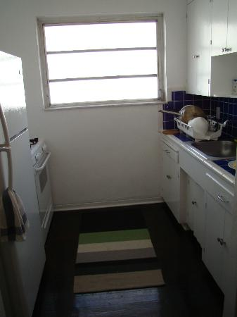 850 Jefferson: Apartment Kitchen
