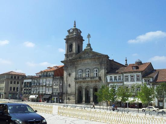 Ibis Braga: City