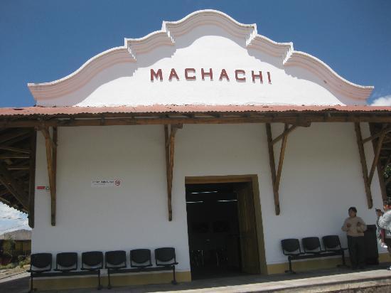 SIERRALOMA Refugio de Montana: Machachi train station