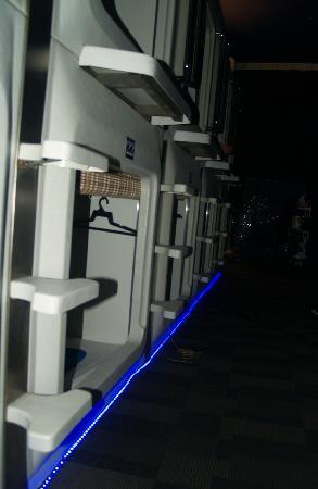 UFO Capsule Hotel: Capsule