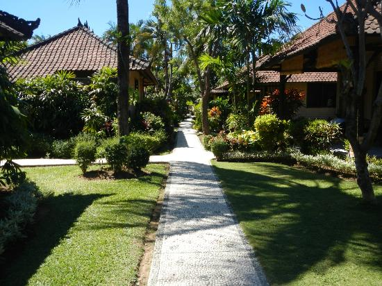 Hidden Paradise Cottages: Gardens