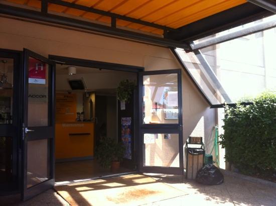 hotelF1 Annemasse: entrée