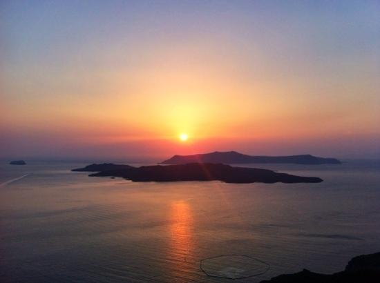 Petit Palace Suites Hotel: sunset from the hotel
