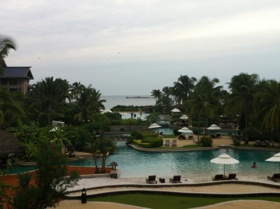 Hilton Sanya Yalong Bay Resort & Spa: Lagoon pool