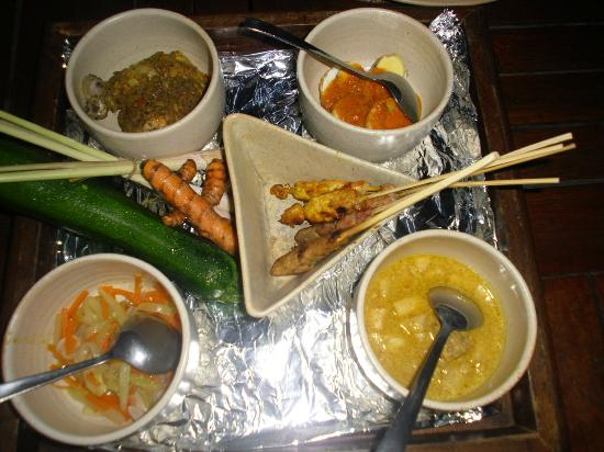 COOEE Bali Reef Resort: 5 course dinner at Bali Reef.