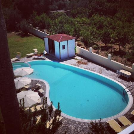 Selenite: piscina vista dalla mansarda