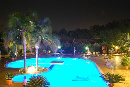 Cariati, Italie : piscina di sera