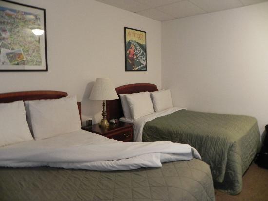 Colonial Motel: chambre 25