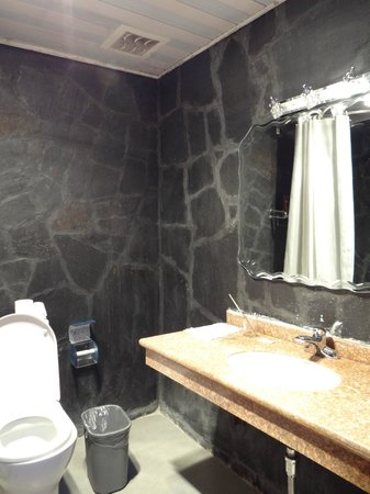 Heritage Hotel : The part of bathroom 1