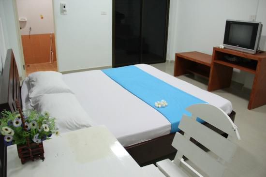 Thai Guest House & Backpacker: Double bed.