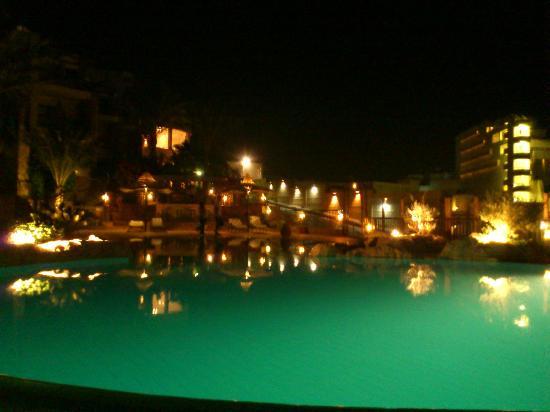 Jewels Sahara Boutique Resort: Pool