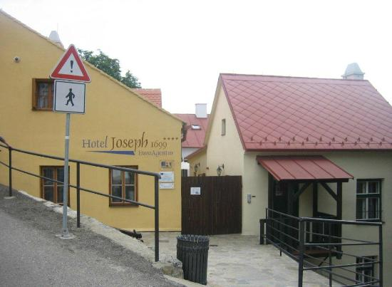 EA Hotel Joseph 1699: Hotel entrance