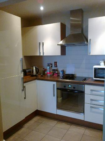Staycity Aparthotels Saint Augustine St: small kitchenette and good equipment,wash machine also