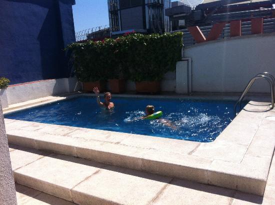 Onix Fira Hotel: Pool ( Dachterrasse)