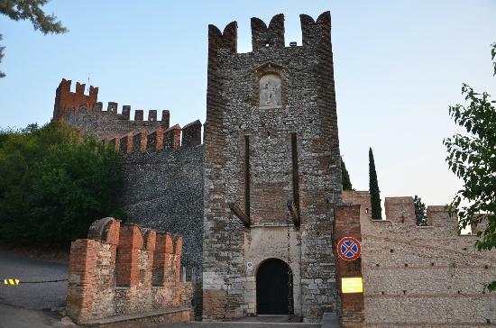 Agriturismo Libero: Castillo de Soave
