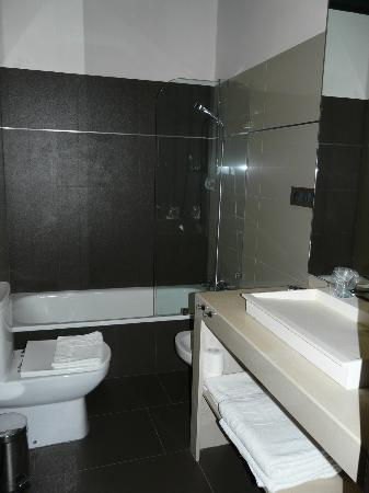 Hotel Villa de Setenil: Baño