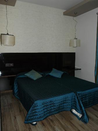 Hotel Villa de Setenil : Cama (Tween beds)