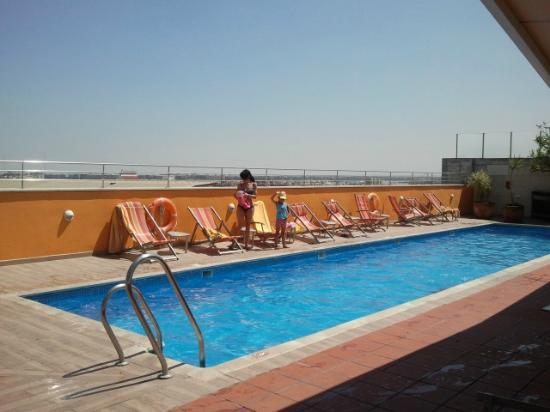 The room picture of hotel novotel sevilla seville for Piscine sevilla