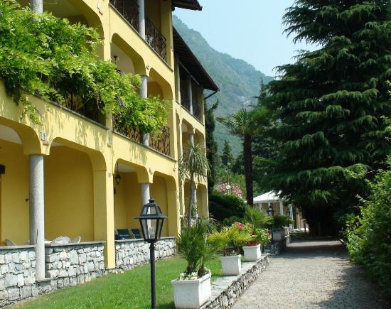 Residenza Lago di Lugano: Balkon unserer Ferienwohnung in Seerichtung