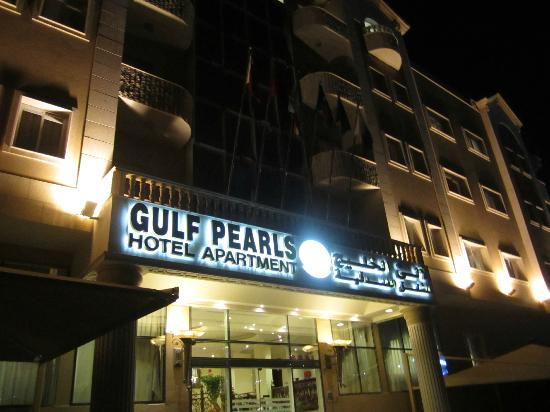 Gulf Pearls Hotel & Suites: out view