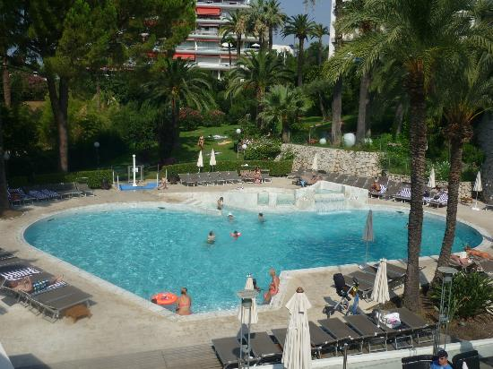 Piscine picture of novotel cannes montfleury cannes for Cannes piscine municipale
