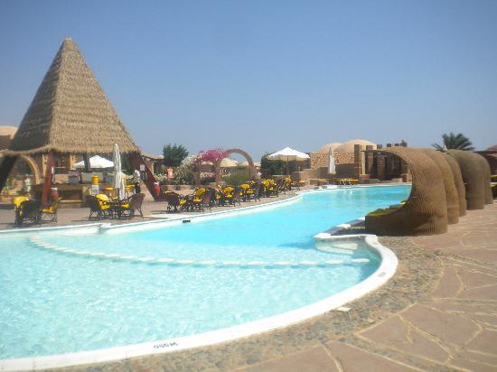Eden Village Habiba Beach: Una delle piscine