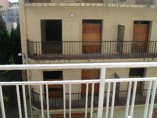 Checkin Pineda: Balcony view.