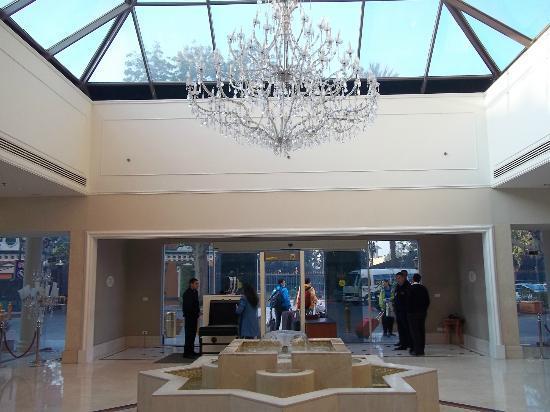 โรงแรมไคโรมาริออทแอนด์โอมาร์เคย์ยามคาสิโน: salida del Hotel