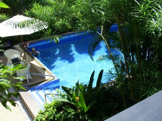 K-Hotel: depuis le balcon la piscinne