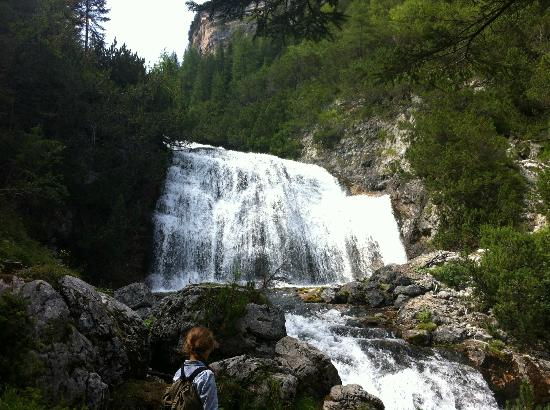 Cascate di Fanes: one of the waterfall on the path
