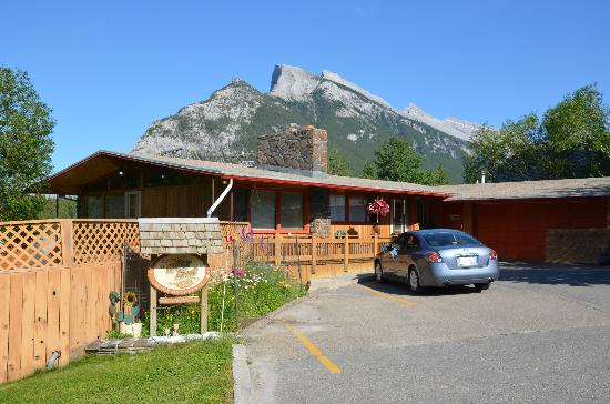 At Wit's End Bed and Breakfast: Wits End Bed and Breakfast Banff, Alberta