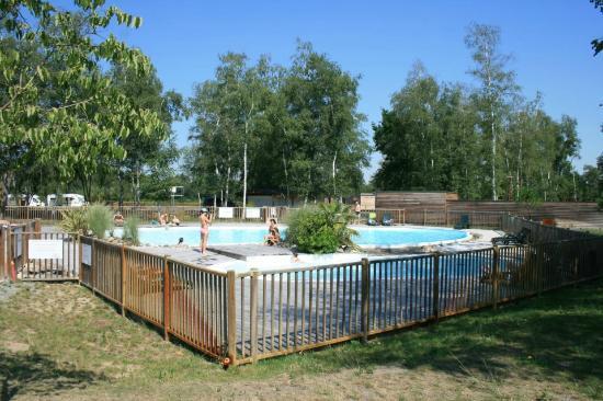 piscine picture of le village du lac bruges tripadvisor. Black Bedroom Furniture Sets. Home Design Ideas