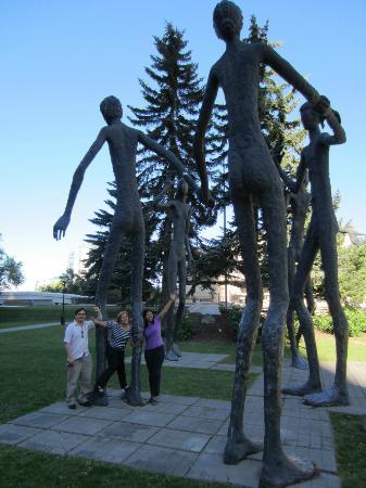 Armengol Statues: Estatuas Armengol