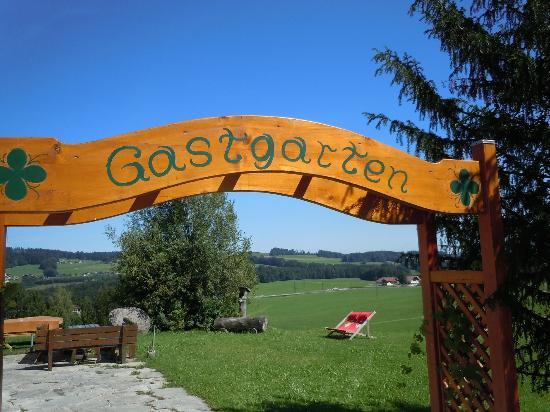 Gasthof Am Riedl: The garden