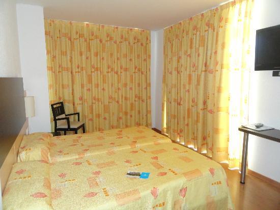 Hotel BLAUMAR: la stanza