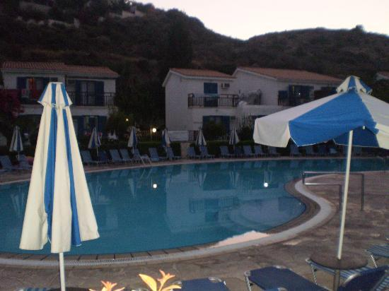 Hylatio Tourist Village: Early evening view of the pool